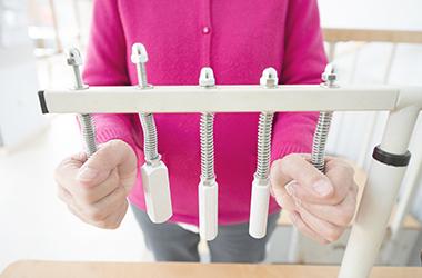 Una dieta equilibrada, el ejercicio y las relaciones sociales pueden ralentizar el deterioro cognitivo causado por el Alzheimer.
